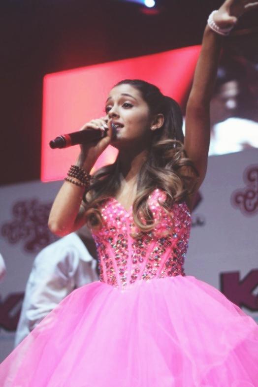 Ariana Grande - SHERRI HILL - SHERRI HILL
